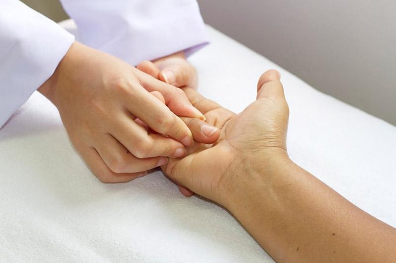 Реабилитация кисти после травм и операций